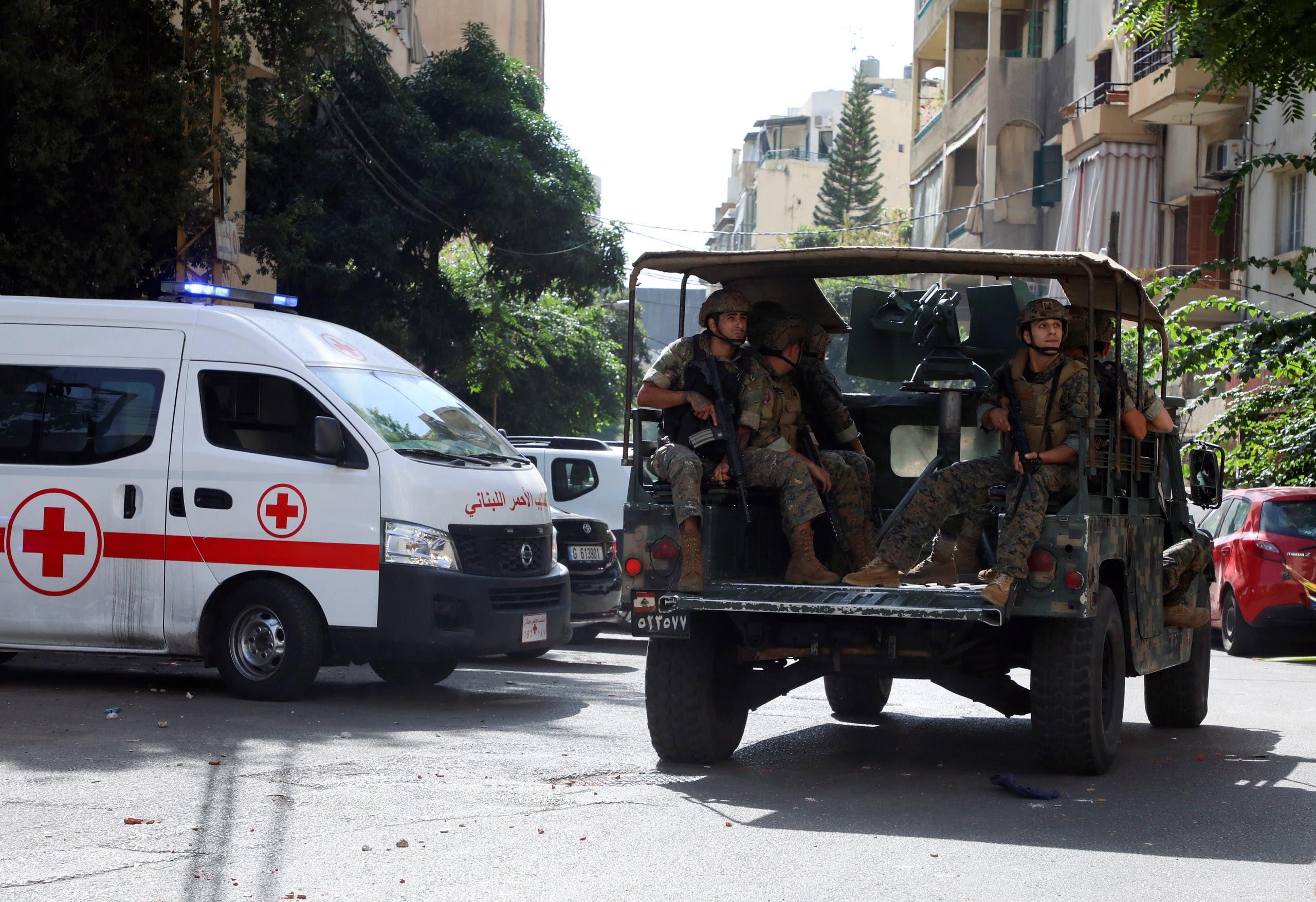 من موقع الاشتباكات في بيروت يوم 14 أكتوبر (رويترز)