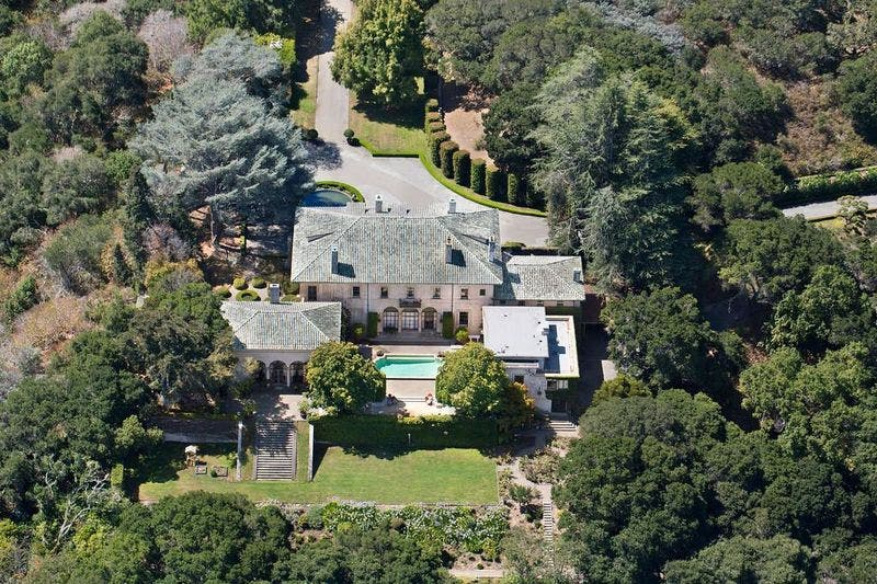 Musk lowers the sale price of his mansion in California, that's what he asked for!