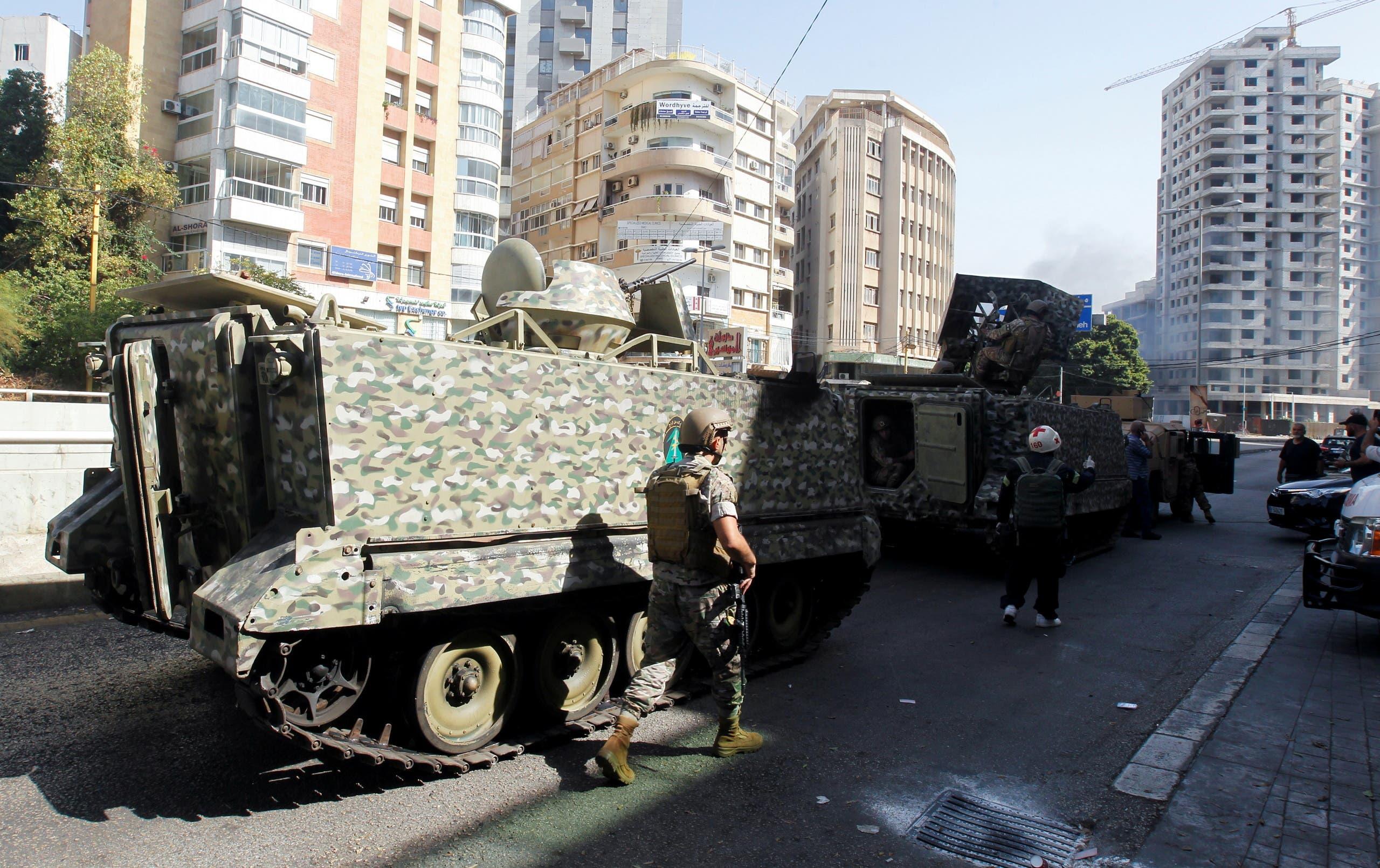 انتشار الجيش اللبناني في بيروت (رويترز)