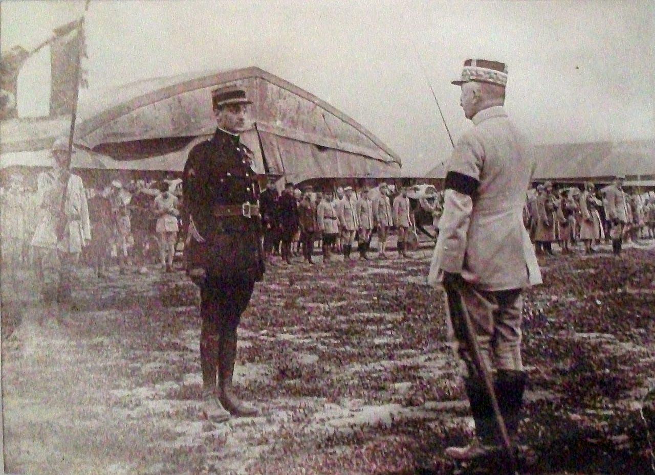 جورج جينيمر اثناء تكريمه عام 1917