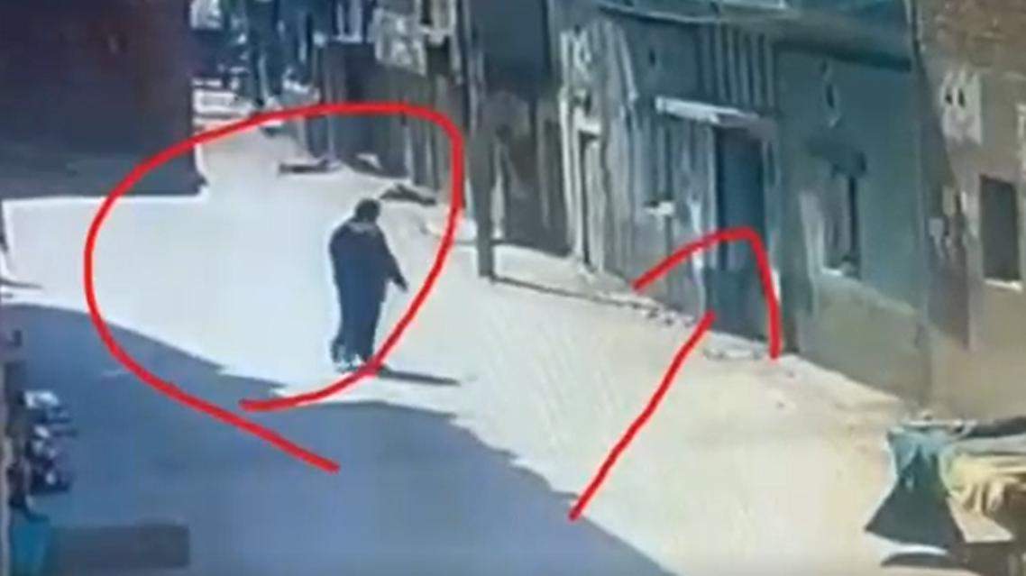 صور من فيديو السرقة