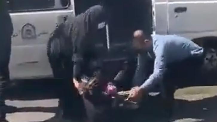 حجاب نہ پہننے والی خاتون پرایرانی پولیس کا تشدد، گرفتار: ویڈیو