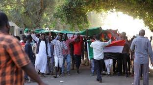محتجون يتجهون مجددا نحو مبنى الحكومة في الخرطوم والأمن يطوق المنطقة