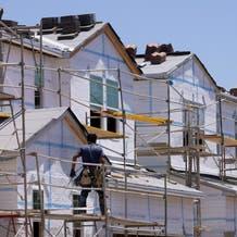 بناء المساكن الجديدة في أميركا يسجل هبوطا غير متوقع
