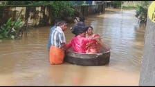 بھارت: سیلاب کے سبب دولہا دلہن کڑاھے میں سوار ہونے پر مجبور