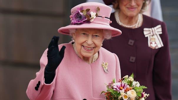 Queen Elizabeth spent night in hospital: Buckingham Palace