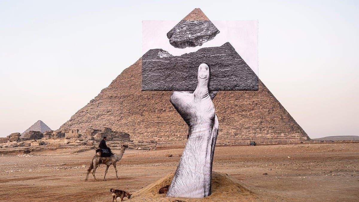 شاهد.. العربية.نت تتجول بأول معرض مصري عند هضبة الأهرامات thumbnail