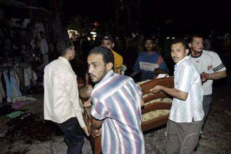 """23 قتيلا بينهم 20 مصريا بتفجيرات""""دهب"""" ومبارك يعتبره عملا ارهابيا"""