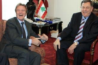 """السنيورة يتهم سوريا بتهريب أسلحة إلى لبنان..وفرنسا """"قلقة"""""""