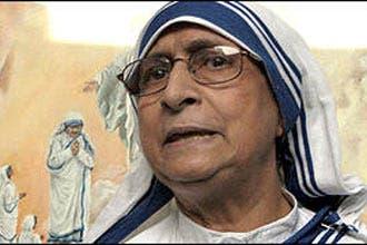 """الأم تيريزا عانت من """"تزعزع العقيدة"""" والشك بشأن الله"""