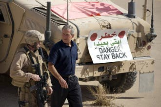 بوش من العراق: خفض قواتنا ممكن إذا استمر التقدم الأمني بالأنبار