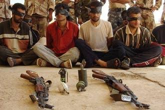 """""""العربية"""" تتدخل لإنقاذ عراقيين يحاصرهم مسلحو القاعدة في الدورة"""