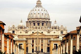 الفاتيكان: الحوار مع المسلمين صعب لأنهم يعتبرون القرآن نصا إلهيا