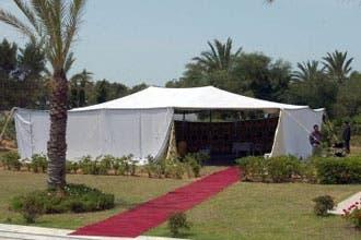 """القذافي يشترط على فرنسا نصب""""خيمة"""" قرب الأليزيه للقاءاته الرسمية"""