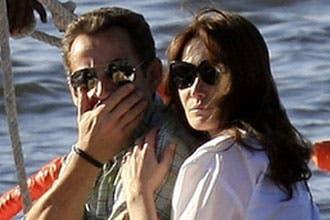 """نائب يحتج على إقامة ساركوزي وعشيقته بـ""""غرفة واحدة"""" في مصر"""