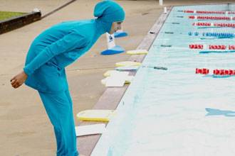 Islamic swimsuit sparks row in Netherlands