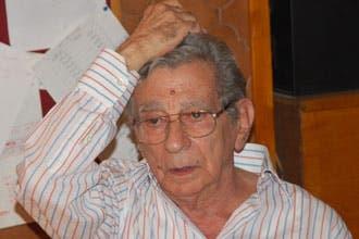 نقل المخرج المصري يوسف شاهين إلى باريس للعلاج من نزيف بالمخ
