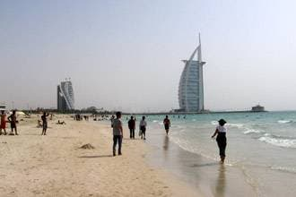 Dubai police target indecent acts on beaches