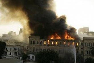 """مصر: ماس كهربائي حرق """"الشورى"""".. ومنع صحيفة غطت تفاصيله"""