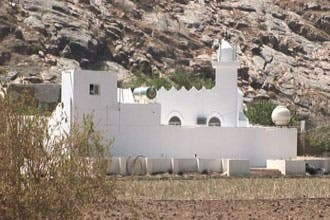 """""""العربية"""" تعرض صخرة دعاء النبي والبستان الذي لجأ إليه بالطائف"""