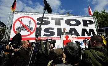 Thousands of Germans protest anti-Islam meet