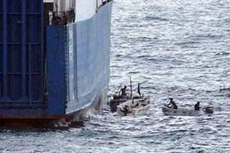 UN adopts new Somalia anti-piracy resolution