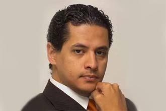I did not convert: son of Egyptian Sunni preacher