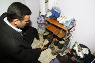 """شعراء وظرفاء عرب يحتفون بـ""""الحذاء"""" ويعتبرون الزيدي بطلا قوميًّا"""