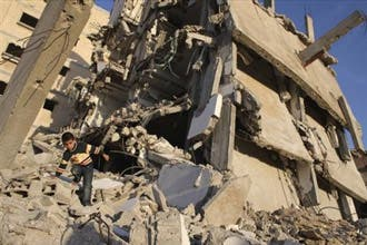 حماس تعوّض المتضررين من الحرب الإسرائيلية بـ37 مليون دولار