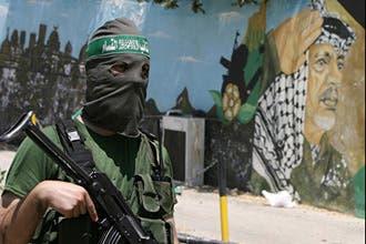 Hamas OKs killing of collaborators during war