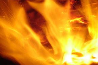 """فتوى دينية في دبي تبيح حرق جثة مسلم مصابة بـ""""السعار"""""""