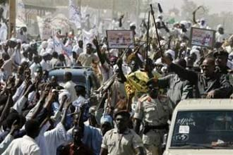 Sudan's president warns foreigners in Darfur