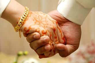 Arabs seek partners via matchmaking channels