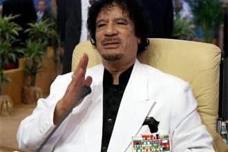 القذافي.. جعبة ألقاب مذهلة أبرزها ملك ملوك إفريقيا وإمام المسلمين