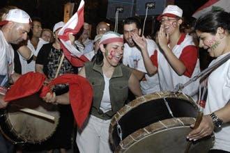 تيار الحريري يفوز رسميا بانتخابات لبنان والسياسيون يدعون للتهدئة