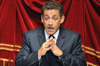 ساركوزي: النقاب ليس رمزا دينيا ولا نرحب به في فرنسا