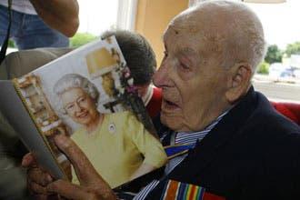 رحيل آخر محارب بريطاني شارك بالحرب العالمية الأولى عن 113 عاما