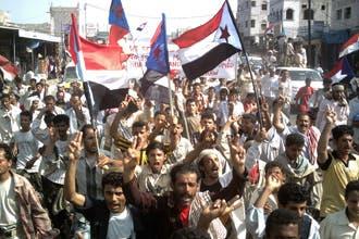 """عمرو موسى يؤكد """"وحدة اليمن"""".. ولا """"مبادرات عربية للحل"""""""