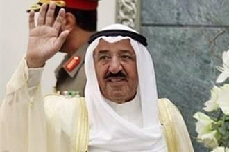 """أمير الكويت يحذّر من """"مهالك"""" العصبية والقبلية والطائفية"""
