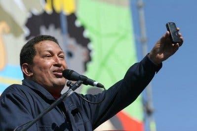 "Hugo Chavez hires hundreds to help him ""tweet"""