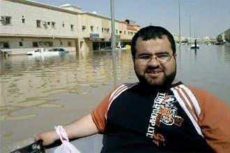 """""""القوارب المائية"""".. مشهد غير مألوف في الرياض بعد انتشار الأمطار"""