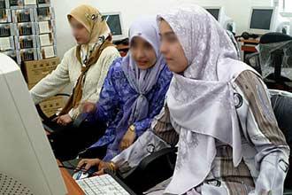 """""""العربية"""" تفرض وجودها ضمن أكثر 10 لغات تواجداً بالإنترنت"""