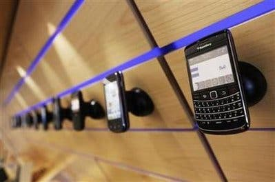 UAE to suspend all Blackberry services in October