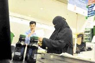 Saudi preacher slams women cashiers