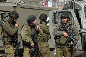 Israeli soldiers kill Hamas commander in W. Bank