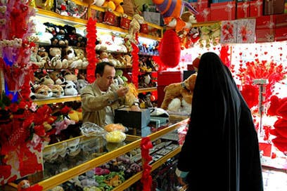 Iran shops banned from selling Valentine gifts