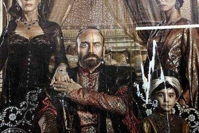 Turkish TV warned over drinking, womanizing sultans