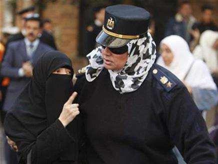 Policewomen should probe harassment: Egypt activists