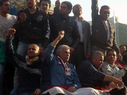 حسن شحاتة: الملايين في مصر ترغب في بقاء مبارك لسنوات قادمة