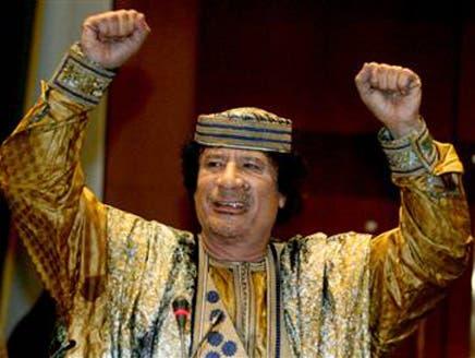 Gaddafi tells Benghazi his army is coming tonight